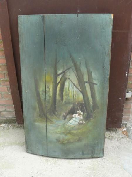 Beschilderde-deksel-van-een-oude-dekenkist_2183-1-450×600