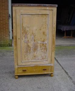 Mooie 1 deurs kast in de oude verf met 1 la deze kast kan in elk-1